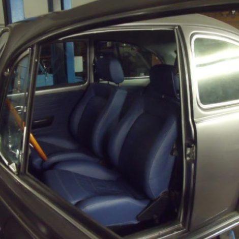 Neue Polster in altem VW Käfer